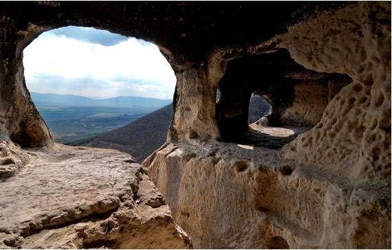 Скальный монастырь ханкум